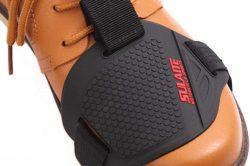 Pourquoi mettre une protection de chaussures moto ?